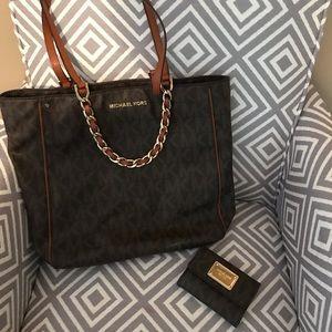 Michael Kors matching bag and wallet